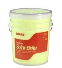 TRI-STAR SOLAR BRITE 5GL